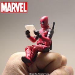 Disney Marvel X-Men Deadpool 2 Action Figure Sitting Posture